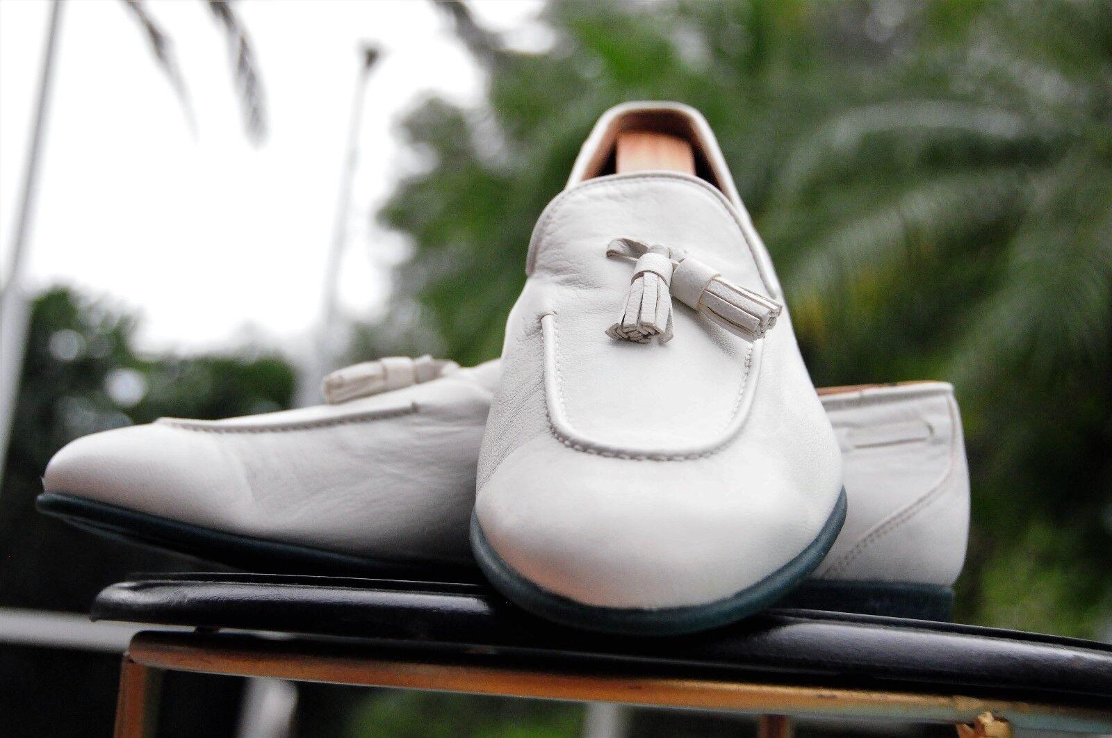 Salvatore  Ferragamo Man's bianca Leather Tassel Lofers Dimensione 10.5 EE  solo per te