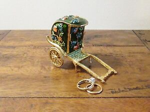 Jewellers Shop Window Display Ring Box  Enamel Rickshaw With Crystal Decoration - Chingford, London, United Kingdom - Jewellers Shop Window Display Ring Box  Enamel Rickshaw With Crystal Decoration - Chingford, London, United Kingdom