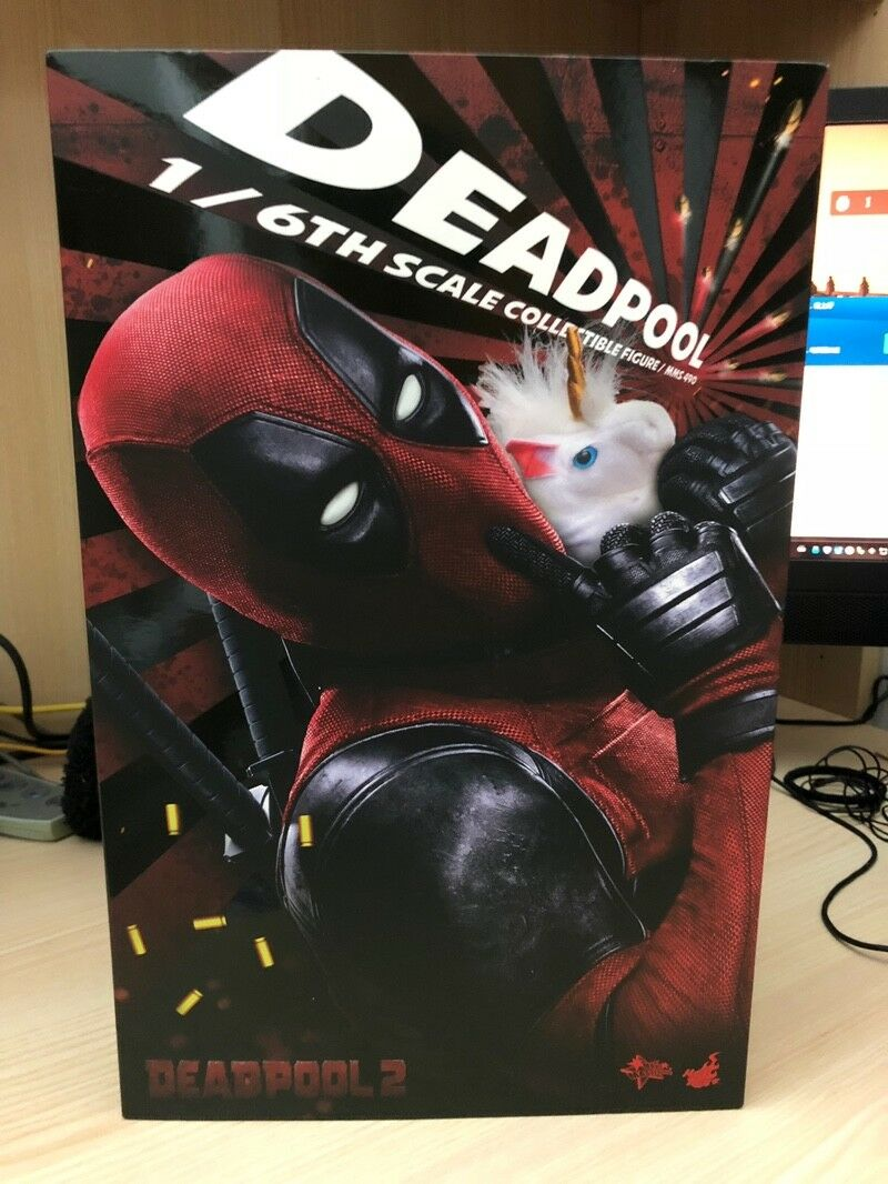 Hot Toys MMS490 Deadpool 2 Ryan Reynolds Wade Wilson 12'' Action Figure Toy