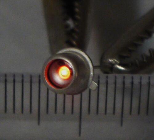 2.8 V 10-20 mA Made in USSR GLASS Red color 100 x AL102BM Russian LED METAL