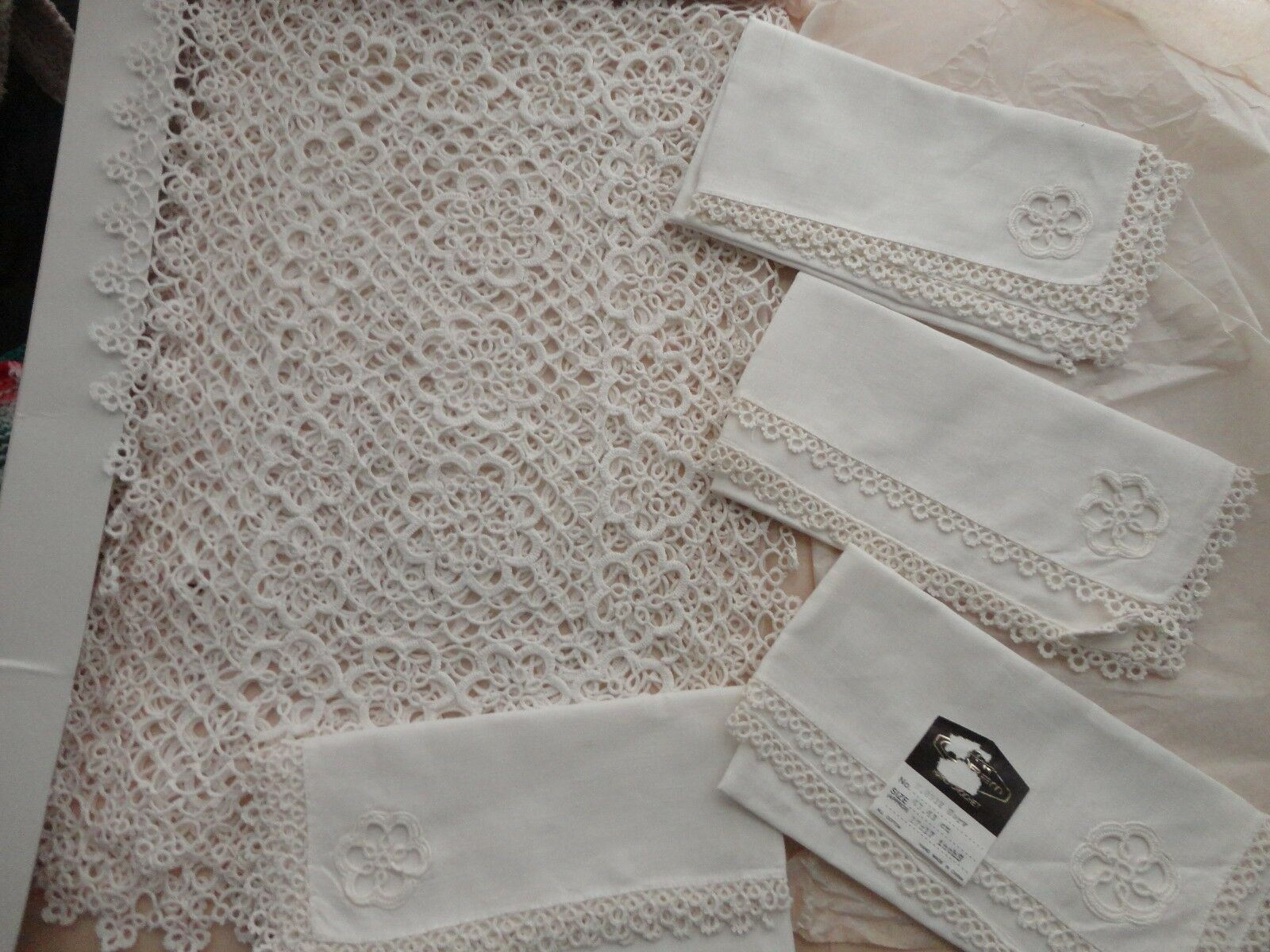 Vintage main Tatting crochet dentelle Ensemble 8 Pièces 100% coton 4 Napperon & 4 Serviette