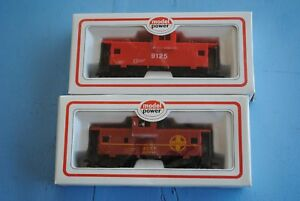 MODEL-POWER-2-Cabooses-9123-Santa-Fe-and-9125-Safety
