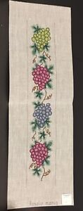 Grapes-Vines-Leaves-Vertical-Hand-Painted-Needlepoint-Canvas-Rosalie-M8P50-42