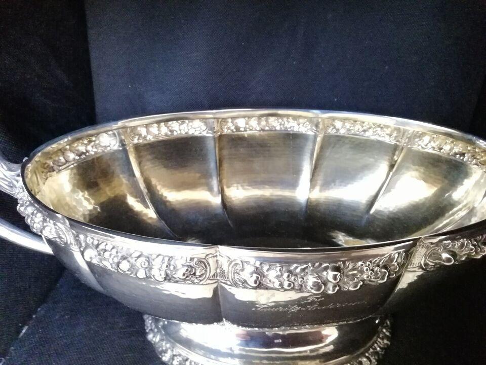 Sølvtøj, Jardiniere/vase I tretårnet sølv '830S' 1922