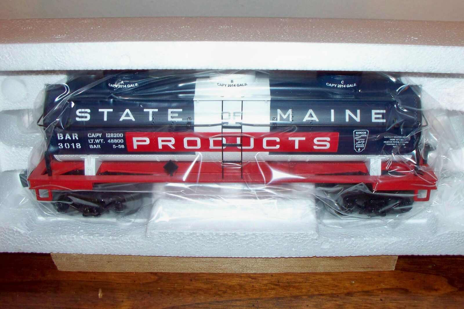 MTH TRAIN STATE OF MAINE THREE-DOME TANK CAR