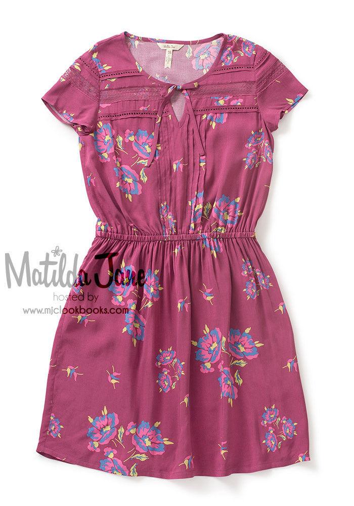 damen Matilda Adventure Begins Art Class Dress Größe M Medium NWT