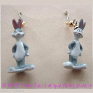 Funky-BUGS-BUNNY-EARRINGS-Looney-Tunes-Charm-Mini-Figure-Novelty-Costume-Jewelry