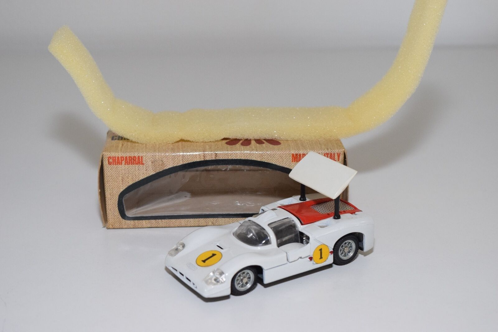 \\ MEBETOYS A-23 A 23 A23 CHAPARRAL LE MANS WHITE NEAR MINT BOXED