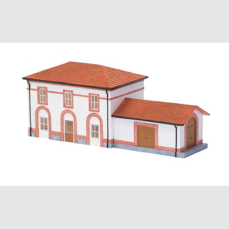 Stazione piccola con deposito merci H0   Art. Rivarossi HC8059