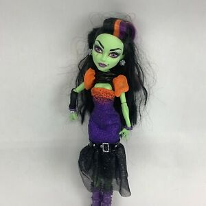Monster-High-11-Casta-Fierce-Rock-Star-Doll
