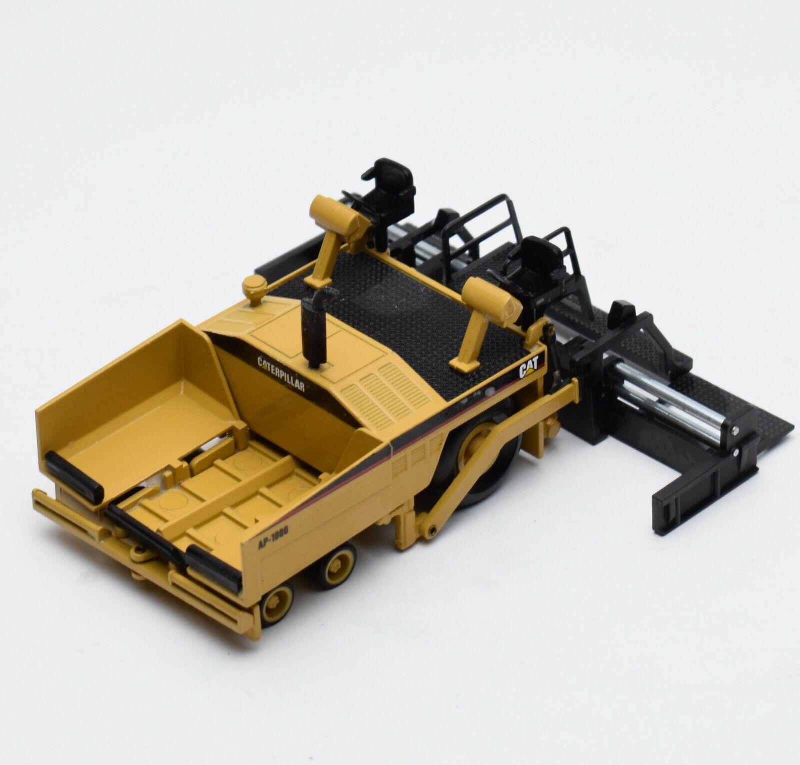 NZG 3881 Cat ap-1000 nerodeckenfertiger asfalto caterpillar, OVP, 1 50, x020