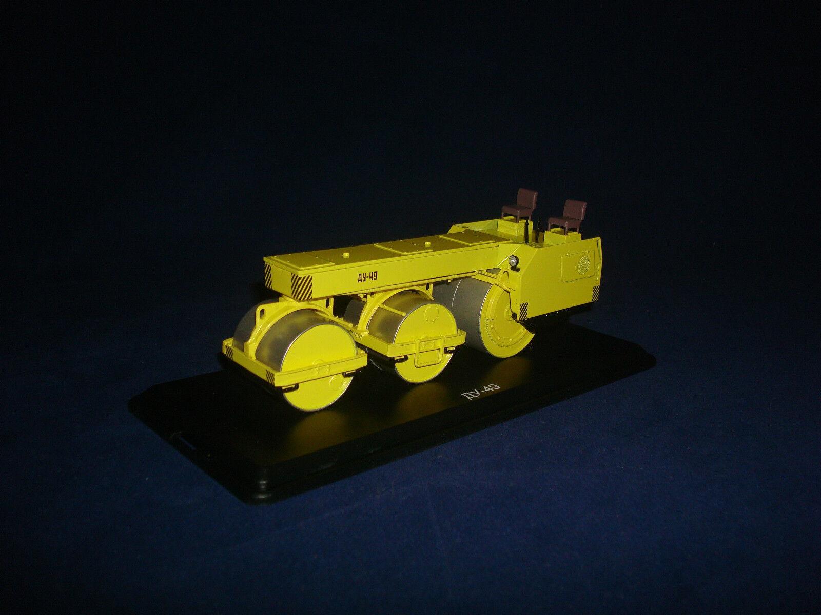 DU 49 ASPHALT ROLLER yellow  SSM 8001 1 43