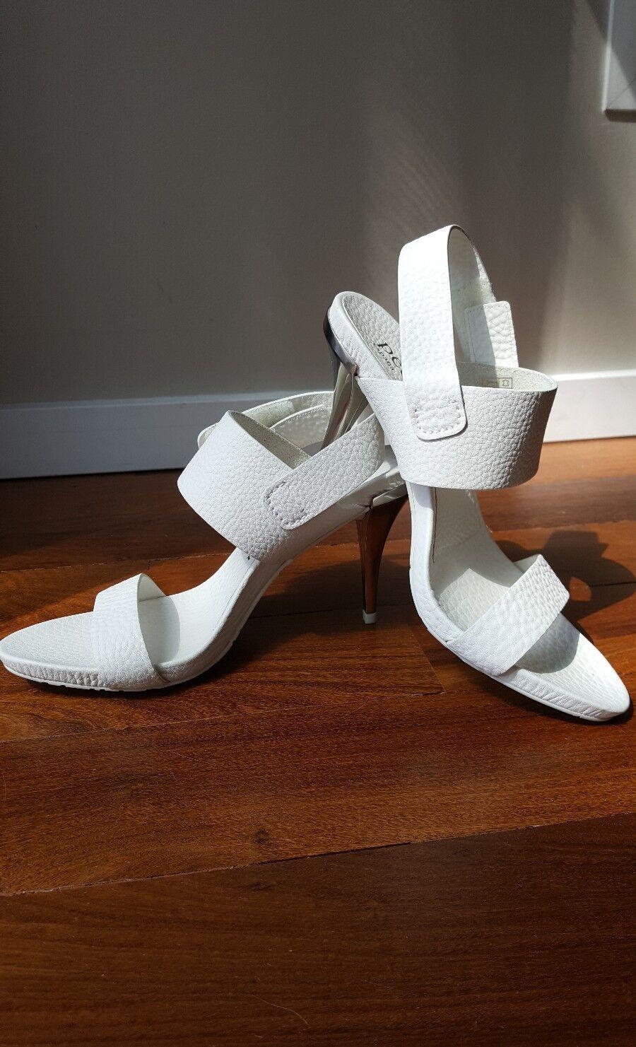 Pedro Garcia  Yelina Simple Metallic Heel Sandal Sz.40 US 10, VALUE  550