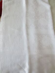 VINTAGE WHITE DAMASK TABLECLOTH CHRYSANTHEMUMS 86 X 64