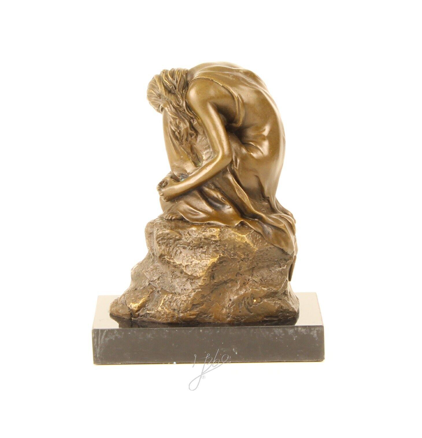 9937119 belleza escultura de bronce personaje medio desnudas belleza 9937119 sentado sign. Milo 16x13cm 094c7c