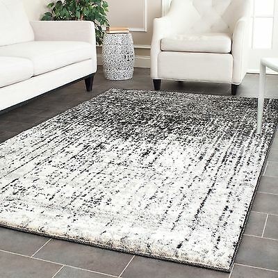 Safavieh Retro Mid-Century Modern Abstract Black/ Light Grey Distressed Rug (4'
