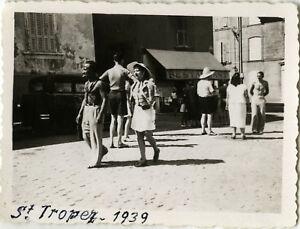 PHOTO-ANCIENNE-VINTAGE-SNAPSHOT-ST-TROPEZ-RUE-COMMERCE-MODE-STREET-1939