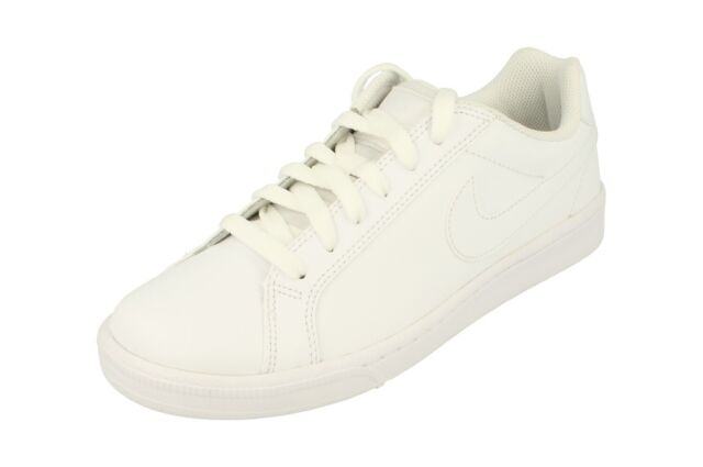 Nike Womens Shoes US 7 Court Majestic
