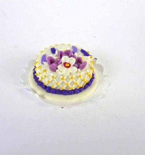 Dollhouse Miniature Lavender Floral Cake K1417