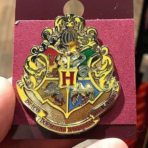 Universal Studios Wizarding World of Harry Potter Hogwarts House Crest Pin