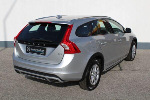 Volvo V60 CC 2,0 D3 150 Momentum aut. - billede 1