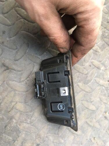 BMW E88 E90 E91 E92 E93 E60 E61 E70 Tapa de arranque del portón trasero Pulsador 7118158