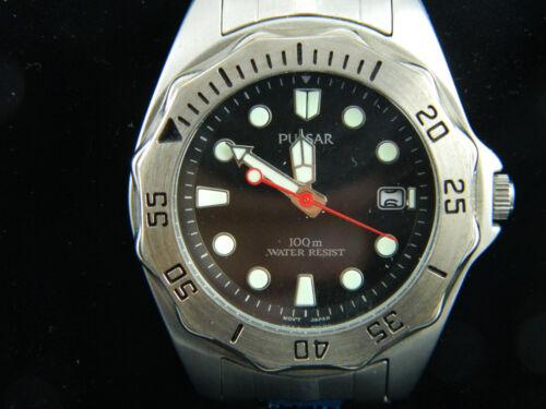 PULSAR Men's Watch/Glow chiffre/tachimeter/fenêtre pour la date/Neuf dans la boîte