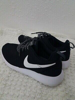 tornillo Dureza Pertenece  Nike Shoes 7.5 womens Black mesh White soles tie strings | eBay
