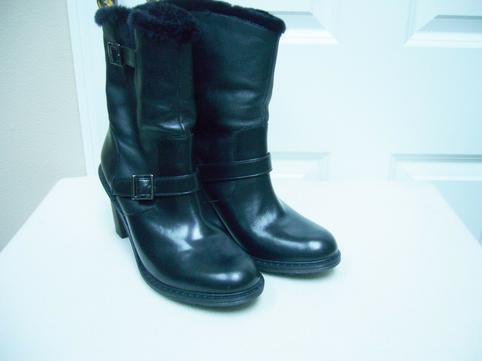 New New New Dr. Martens Womens Hanna Engineer Boots Black Leather Faux Fur Size 11 faf25f