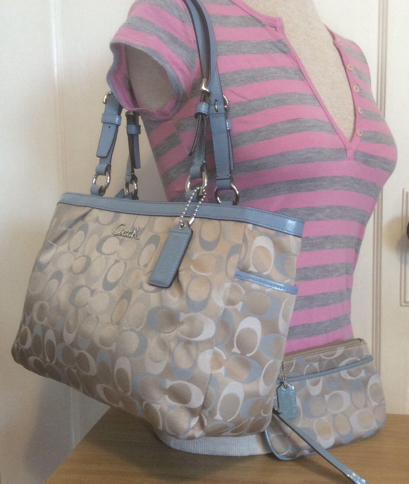 * NEED SALE * Coach Signature Zip Top Tote Shoulder Bag w/ Wristlet F17676