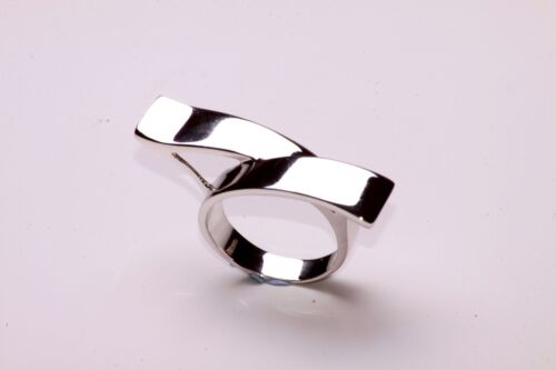 LADIES UNQIUE CHROME WAVE STYLE RING BRAND NEW STUNNING ZX15