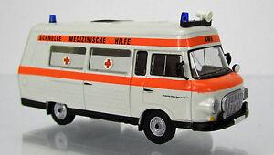 Brekina-MCZ-03-168-IFA-Barkas-B-1000-Krankenwagen-SMH-3-mit-leuchtroten-Streifen