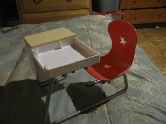 American Girl Flip Top School Desk Dolls Pink Chair & Compartments 2015 *broken*