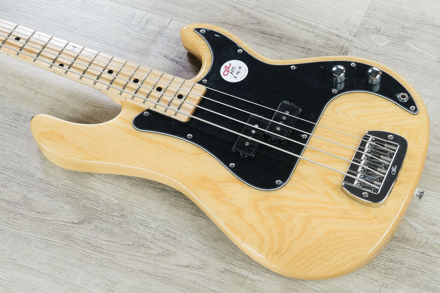 G&L Tribute LB-100 4-String Electric Bass, Maple Board - Natural w  GIG BAG