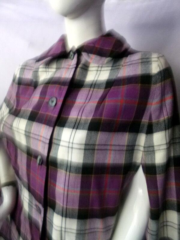 Vintage 1960s ReversiblePLAID/BLACK Cape Coat On… - image 2
