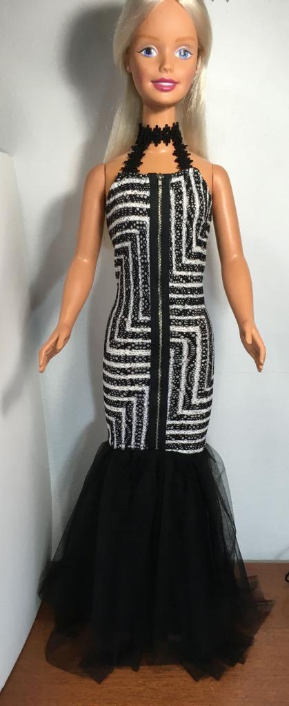 Mi Barbie de tamaño Negro, blancoo, Plata & Vestido Sirena Geo impresión W Gargantilla Halter