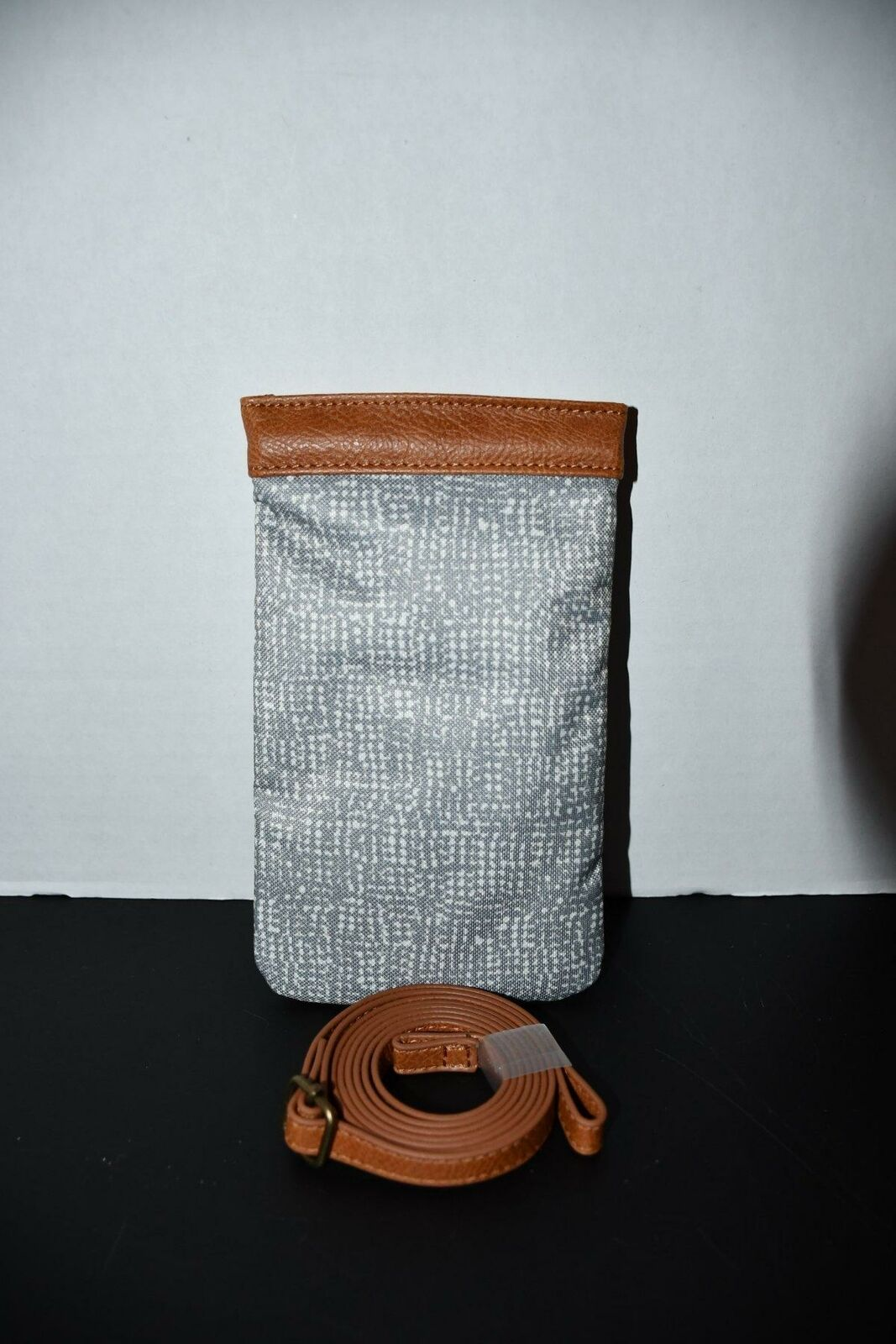 Thirty One Dialed In Phone Purse in Textured Grey NWT