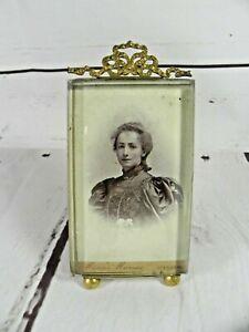Ancien-cadre-porte-photo-chevalet-a-poser-verre-epais-et-cadre-louis-XVI-noeud
