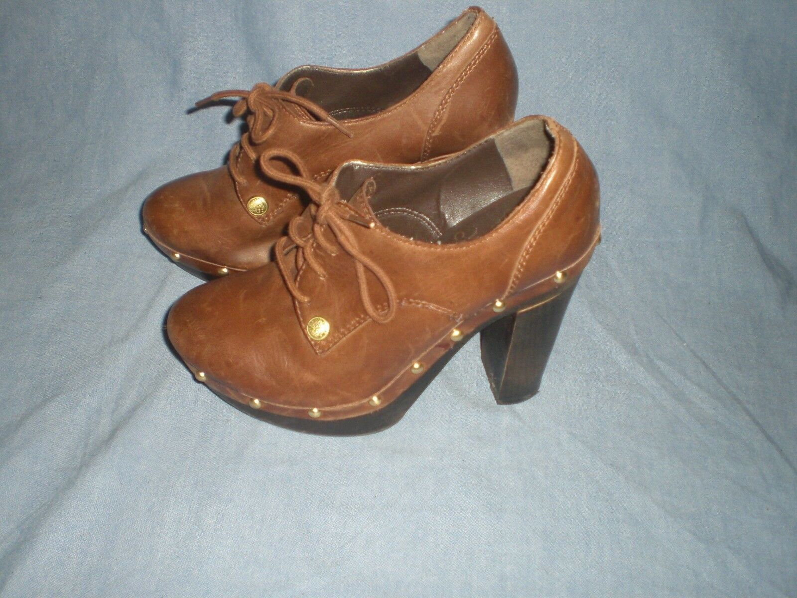 VINCE CAMUTOCANASTA BROWN LEATHER goldTONE STUDS LACES UP ANKLE BOOTS6 B