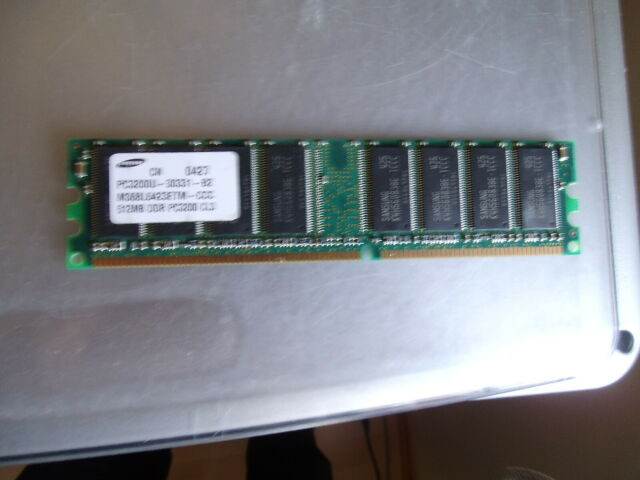 Samsung M368L6423ETM-CCC PC3200U-30331-B2 CL3 512MB DDR1 400MHz,gutem Zustand un