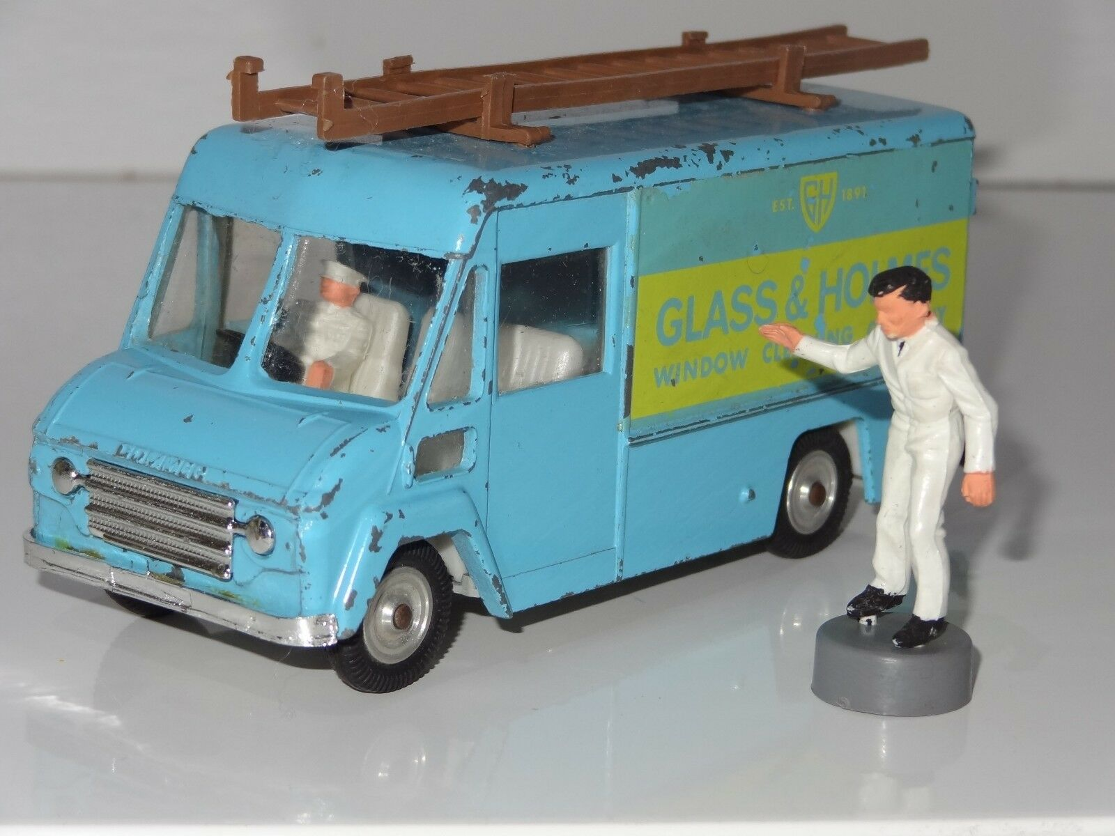 (v) triang spot on COMMER WINDOW CLEANERS  VAN GLASS & HOLMES - 315