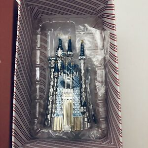 Hallmark-2018-Disney-Cinderella-039-s-Castle-Premium-Keepsake-Ornament-Metal-NEW