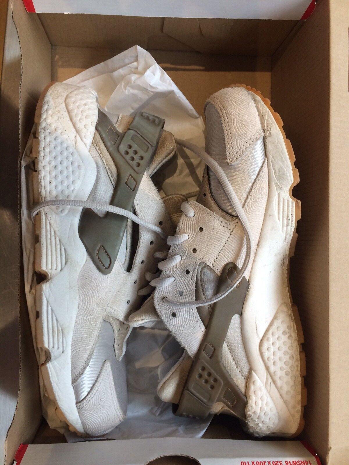 Nike huarache size 6 PRM Suede