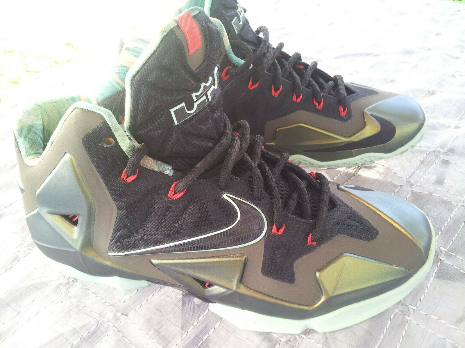 NIKE Lebron KINGS PRIDE 11 Parachute gold Sneakers Basketball shoes Mens Size 9