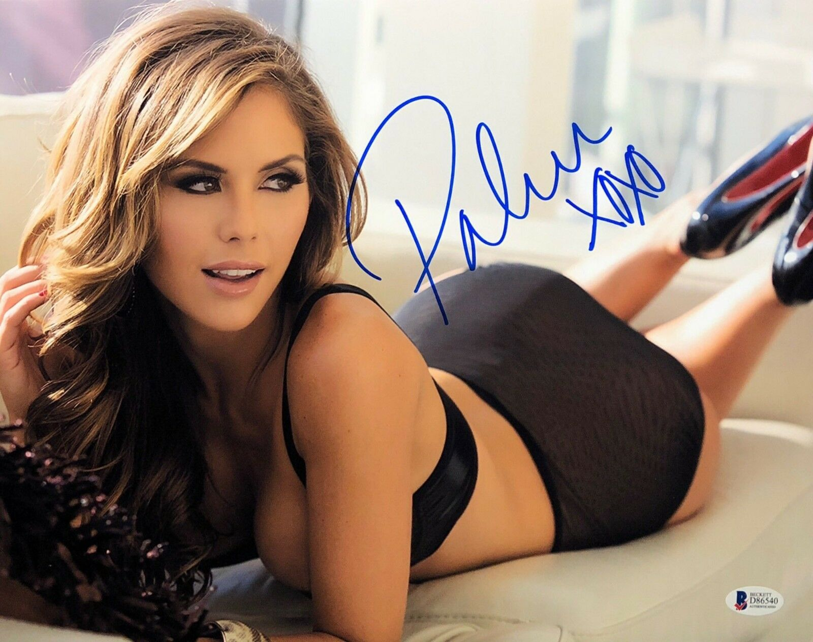 Brittney Palmer Signed 11x14 Photo *Model* UFC Ring Girl BAS Beckett D86540