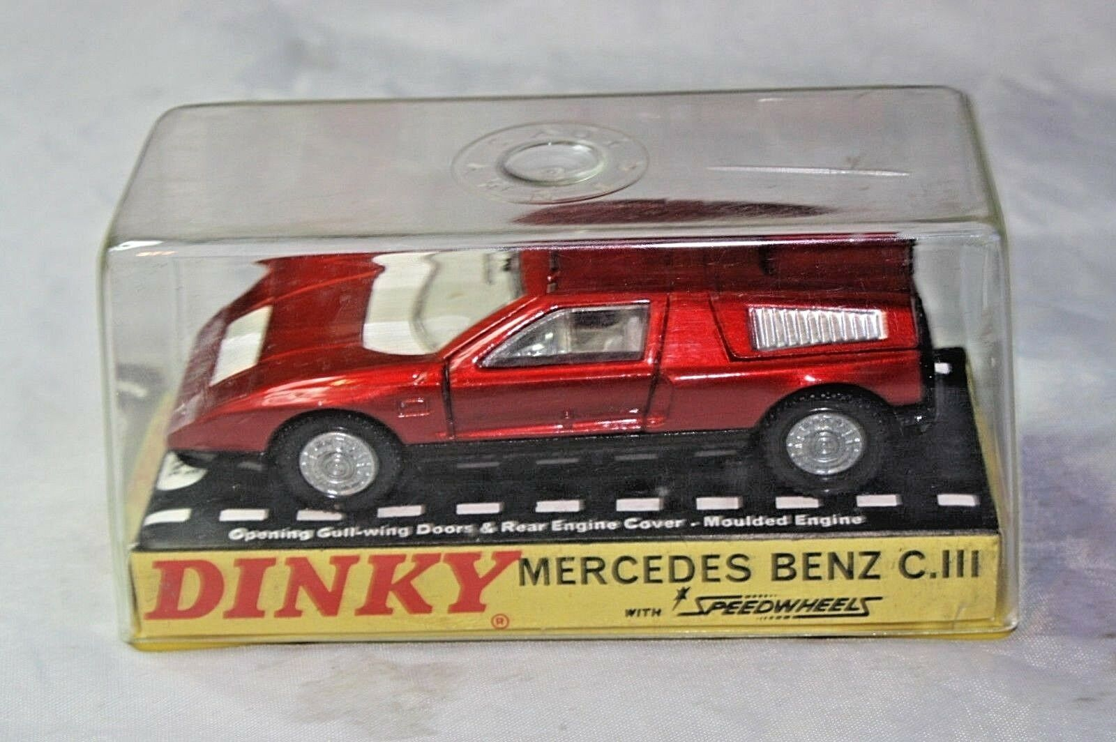 DINKY 224 MERCEDES BENZ C111, buone condizioni nella scatola originale