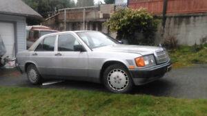 1989 Mercedes Benz 190D 2.5L Turbo Diesel w. 98000kms!!!