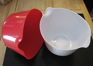 White Or Red 2 5 Quart Plastic Mixing Batter Bowl With