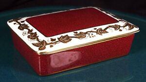 Wedgwood-Whitehall-Powder-Ruby-Lidded-Butter-Dish-W3994-1st-Quality