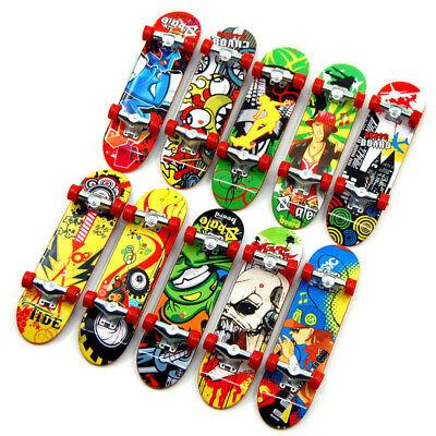 2PCS Mini Finger Board Skateboard Novelty Kids Boys Girls Toy Gift for Party vd